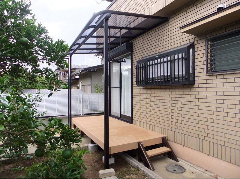 R屋根タイプテラス「サンライズテラス」ポリカ屋根材付