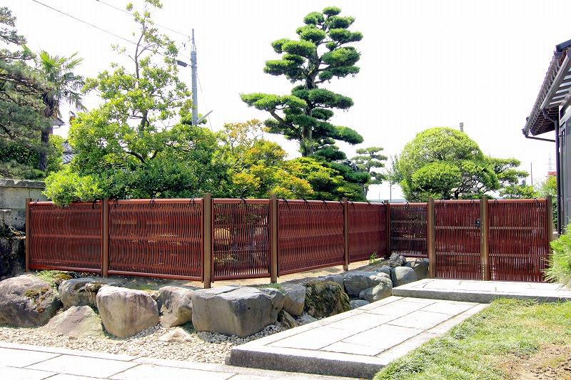 人工竹垣組立てセット「大津垣O2型柱見せタイプ(すす竹木目調角柱)」