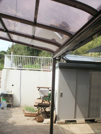 R屋根テラス「サンライズテラス」ブロンズ色