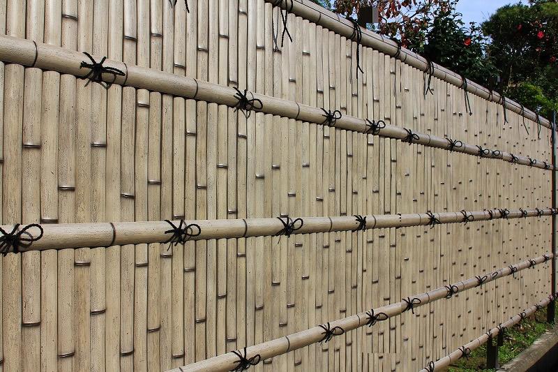 人工竹垣組立てセット「建仁寺垣BW型」さび竹 柱隠し 片面