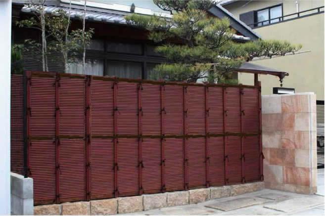 人工竹垣組立てセット「みす垣F型」柱隠し すす竹ブロンズ裏柱