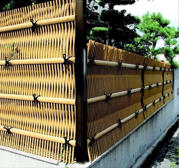 人工竹垣組立てセット「大津垣O型」イエロー竹ブロンズ角柱 柱見せ